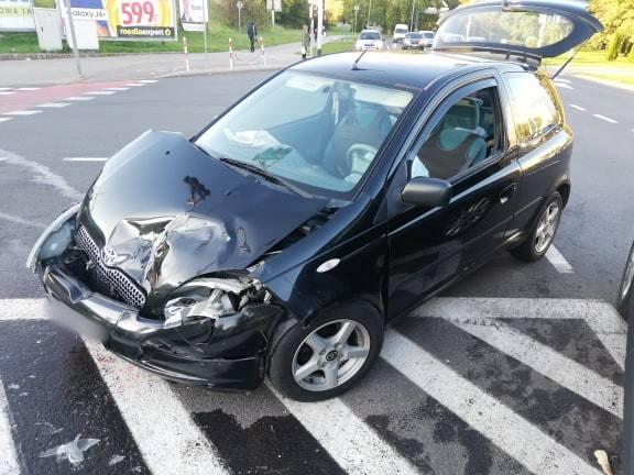 Do co najmniej trzech, na szczęście niegroźnych kolizji samochodowych doszło w ostatnich godzinach na ulicach Koszalina. Kolizję pojazdów odnotowano