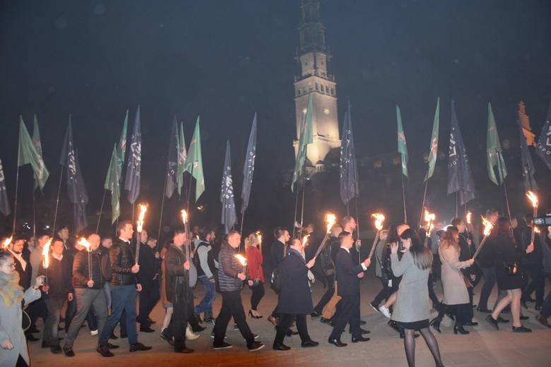 Pielgrzymka Środowiska Narodowego  od sześciu lat gromadzi na Jasnej Górze członków  Ruchu Narodowego, Młodzieży Wszechpolskiej, Obozu Narodowo-Radykalnego,