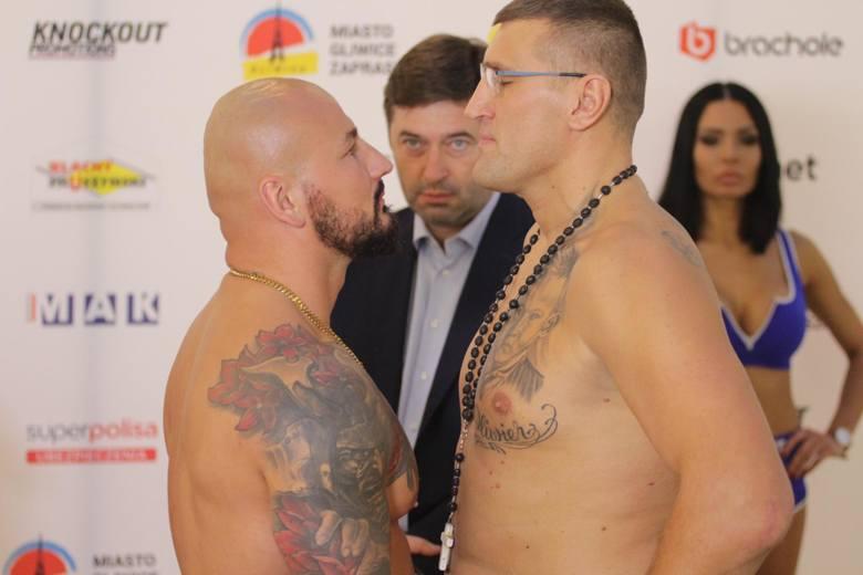 Tak podczas ważenia mierzyli się wzrokiem Artur Szpilka i Mariusz Wach. Transmisja z tego wydarzenia jest dostępna w TVP i TVP SPORT.