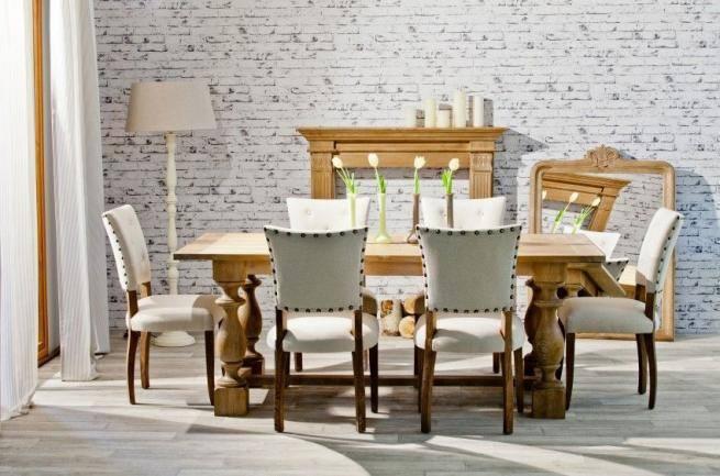 Stół to miejsce spotkań rodzinnych nie tylko od święta. Często służy jako miejsce do pracy czy nauki. Musi więc być funkcjonalny i estetyczny.