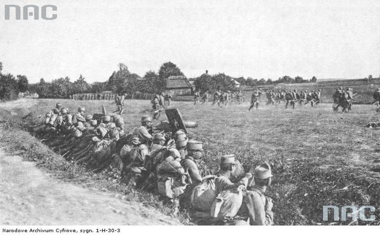 Szturm piechoty austro-węgierskiej pod Przemyślem, 1915.