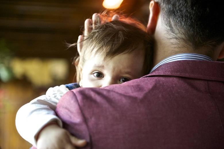 Zmianie ulegają uprawnienia związane z urlopami: macierzyńskim, rodzicielskim, ojcowskim oraz na warunkach urlopu macierzyńskiego (tzw. urlopu tacierzyńskim).