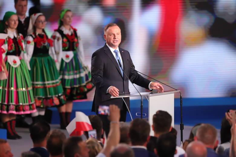 Wybory prezydenckie 2020. Wieczór wyborczy Andrzeja Dudy w Łowiczu. Zobaczcie zdjęcia