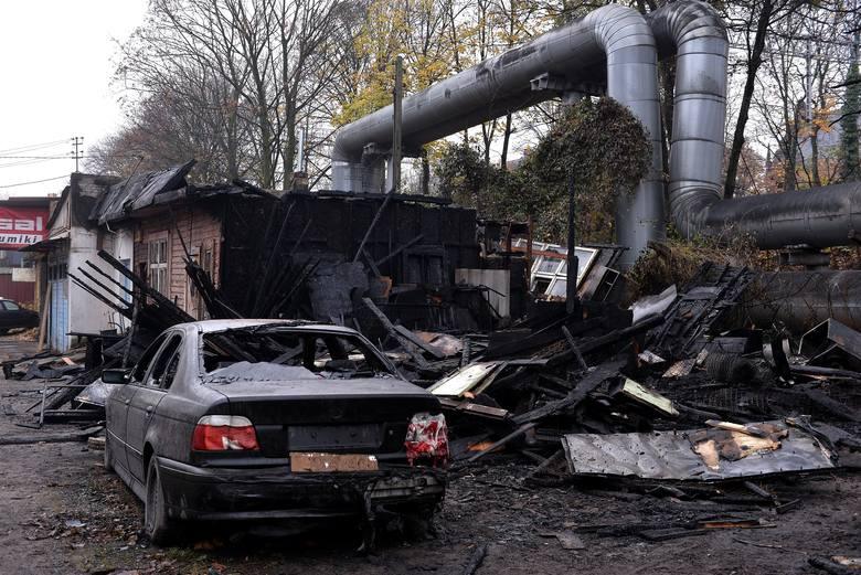 Pożar w Gdańsku Wrzeszczu 12.11.2018. Spłonęła hala z warsztatem samochodowym przy Wyspiańskiego