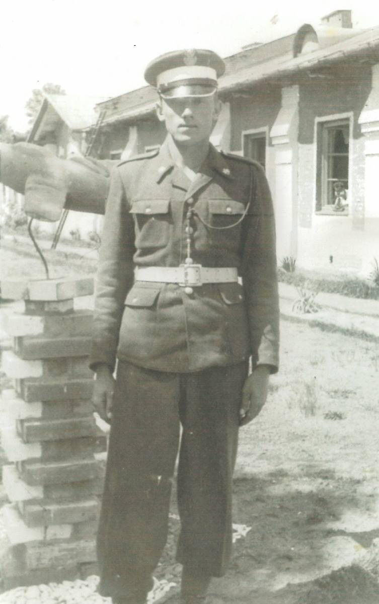 Mińsk Mazowiecki, lipiec 1960 roku. Szeregowy Zenon Borowski
