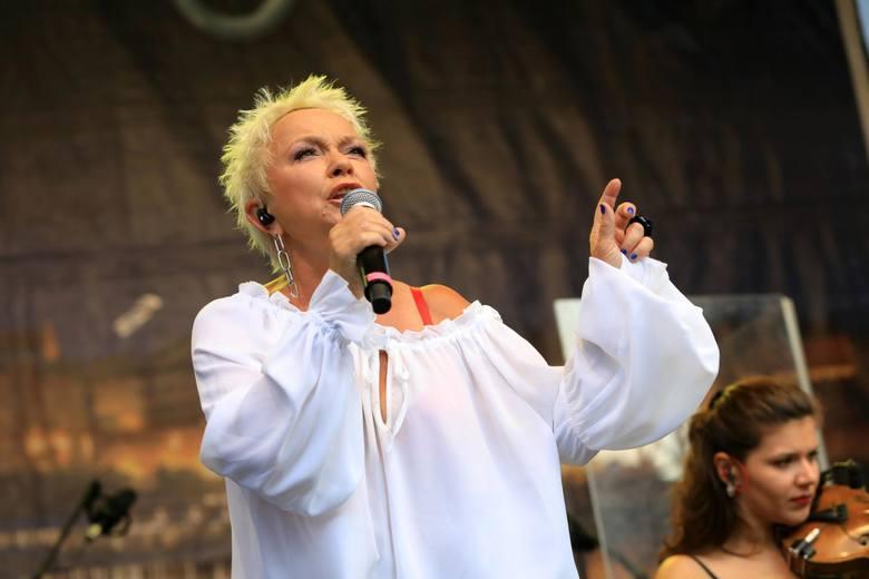 """Podczas Wesela Kurpiowskiego, które jest zaplanowane na 16 czerwca, wystąpi Małgorzata Ostrowska, znana z takich hitów jak """"Szklana pogoda"""""""