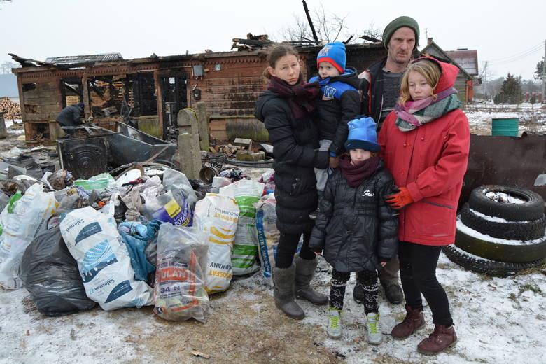 Po pożarze w Szkwie: trwa zbiórka na nowy dom dla pięcioosobowej rodziny [ZDJĘCIA+WIDEO]