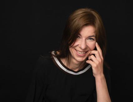 Anna Gołębicka: Śmierdząca sprawa, czyli wszyscy tkwimy w szambie po pas