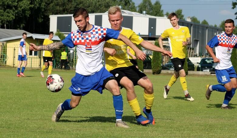 W ciekawym czwartoligowym meczu Czarni Połaniec, którzy już wcześniej zapewnili sobie awans do trzeciej ligi, wygrali z Granatem Skarżysko-Kamienna 2:1.