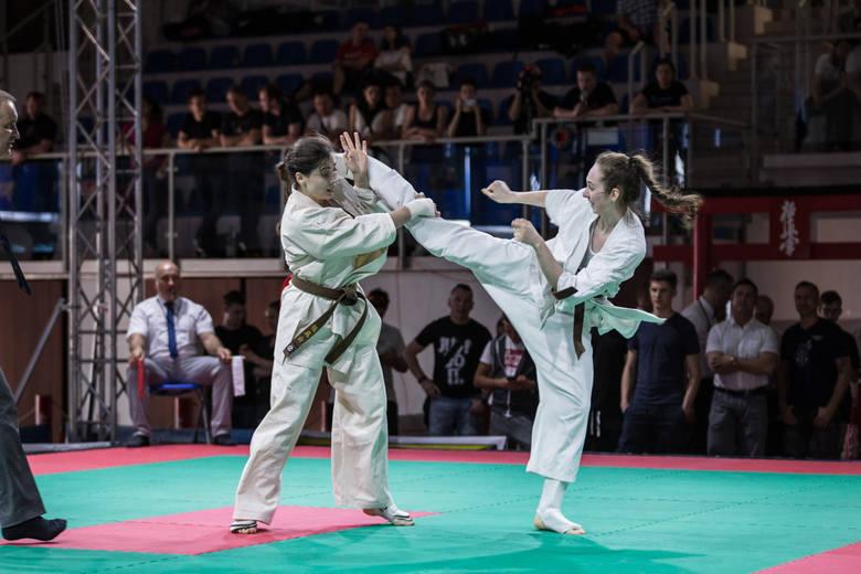 Trzy medale małopolskich karateków podczas mistrzostw Polski w Limanowej [ZDJĘCIA]