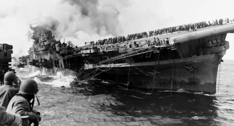 """Czołowy as myśliwski USA """"Gabby"""" Gabreski (zestrzeleń pewnych 34,5, prawdopodobnych 3) chrzest bojowy przeszedł nad Pearl Harbor"""
