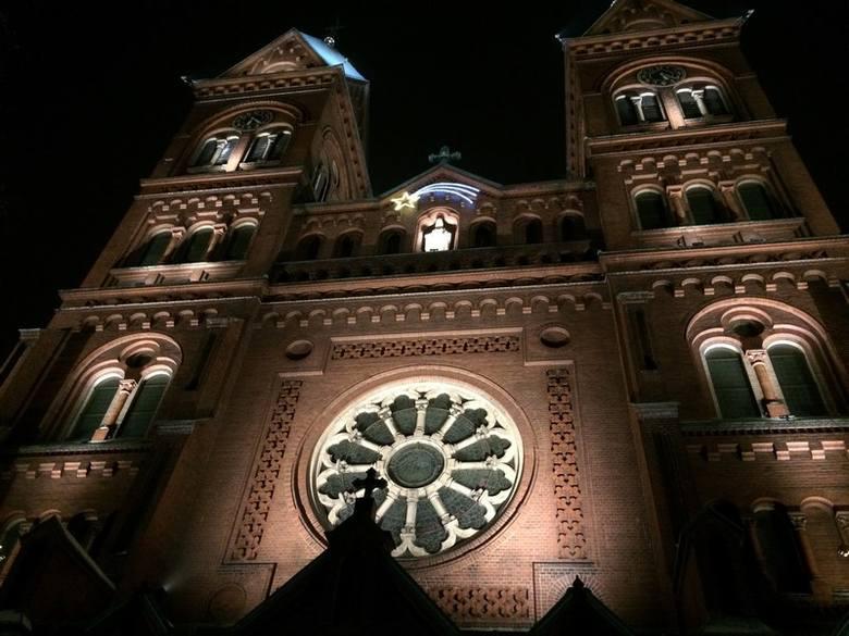 Bazylika w Panewnikach zyskała cakowicie nowe oświetlenie. Iluminacja została zrealizowana techniką punktowo-zalewową. Do jej budowy wykorzystano 90