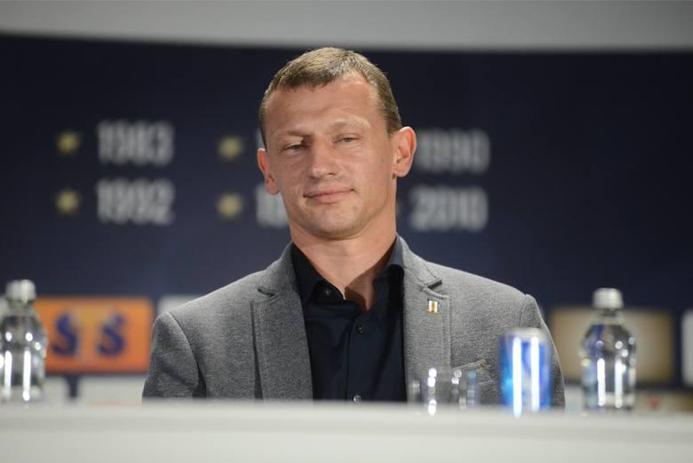 Rezerwy Lecha objął po Ivanie Djurdjeviciu i drużyna pod jego wodzą radzi sobie bardzo dobrze. Może więc tymczasowy trener powinien zostać z pierwszym