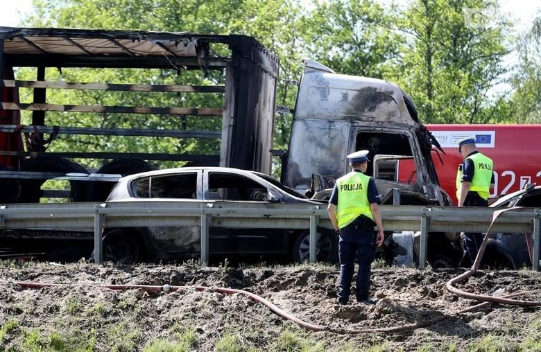 Tragiczny wypadek na A6. Co z opinią biegłego w sprawie przyczyn katastrofy?