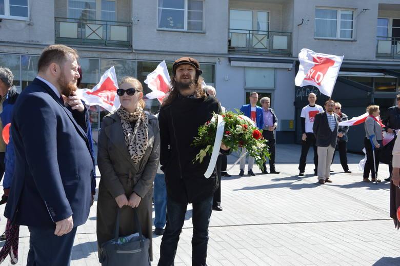 Święto Pracy 2019 r. w Opolu organizowane przez OPZZ pod Pomnikiem Bojowników o Polskość Śląska Opolskiego i na Pl. Wolności.