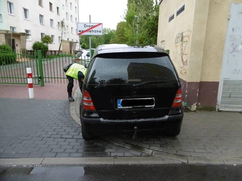 Aż 200 spośród 533 majowych zgłoszeń do inowrocławskiej straży miejskiej dotyczyło nieprawidłowo zaparkowanych pojazdów.Najwięcej z nich dotyczyło:*