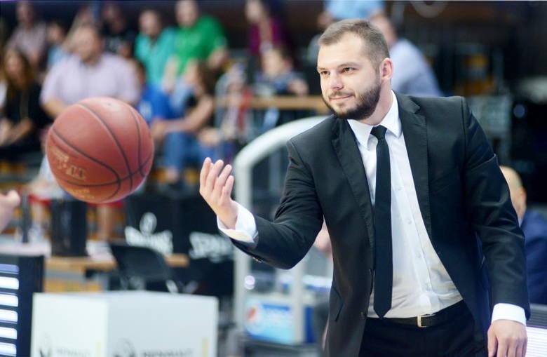 Trener Stelmetu Artur Gronek