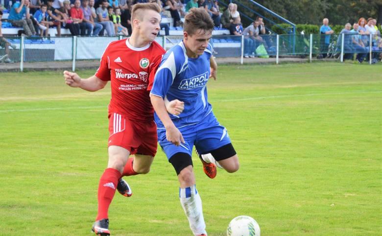 Dominik Merta (z prawej) jest jedną z nadziei piłkarskich Niwy