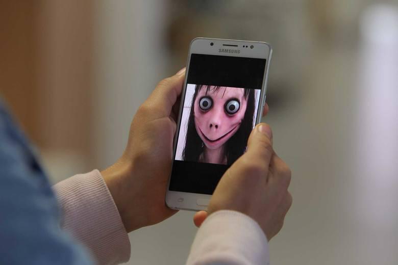 """Plewiska: Dyrekcja szkoły podstawowej ostrzega rodziców przed lalką Momo: """"To nie jest afera wymyślona przez media!"""""""