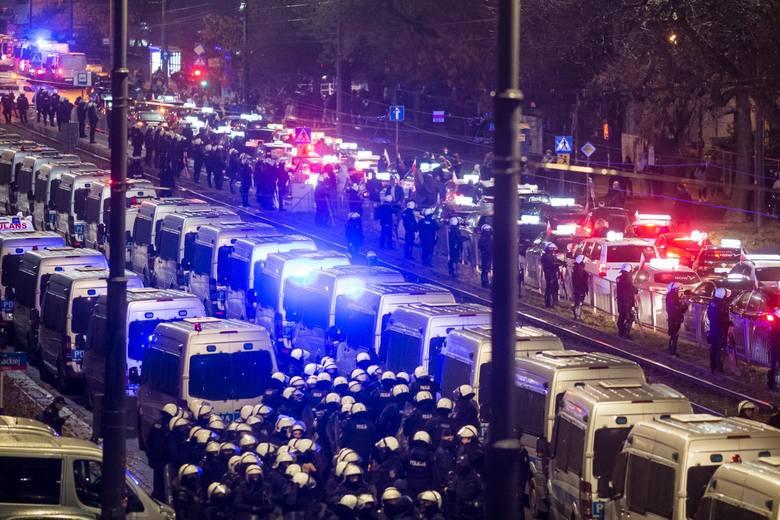 """30 października 2020""""na Warszawę""""Piątek 30 października był momentem kulminacyjnym protestów przeciwko zaostrzeniu prawa aborcyjnego."""