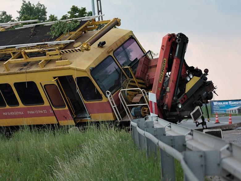 Do tego wypadku doszło w maju 2011 roku skrzyżowaniu linii kolejowej z drogą krajową nr 45 w Kuniowie pod Kluczborkiem. 28-letni kierowca samochodu ciężarowego