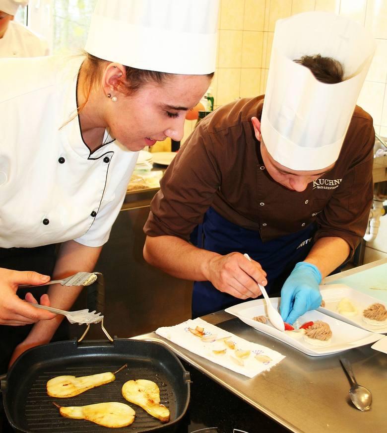 W Grubnie koło Chełmna kończy się IV konkurs walentynkowy dla uczniów szkół gastronomicznych.  Wygrali młodzi kucharze ze Świecia. Na drugim miejscu
