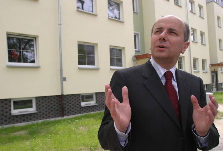 Adam Grehl. Za to, że jest zastępcą Dutkiewicza, zainkasował 233 tysiące złotych rocznie. Za radę nadzorczą EIT+ dostał 43 tysiące. W sumie 276 tys.