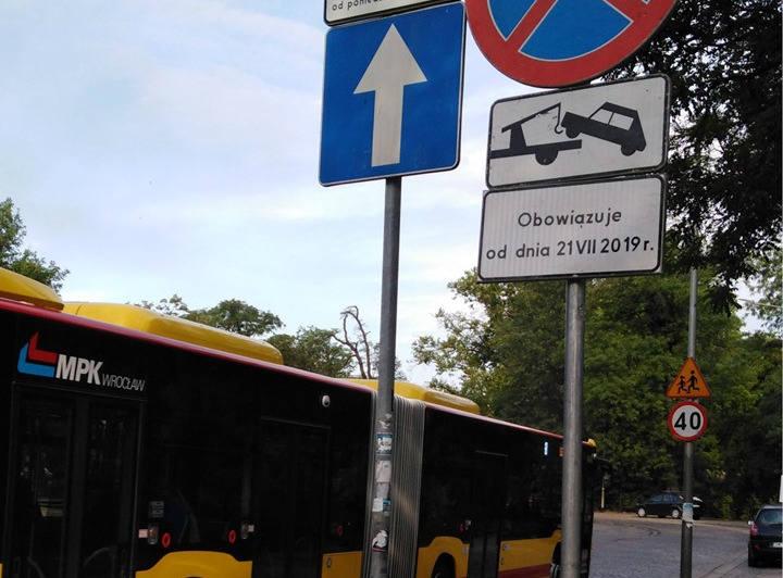 W nocy z 20 na 21 lipca na Podwalu zostanie wydzielony buspas. Ma to przyśpieszy przejazd autobusów w kierunkach: Nowy Dwór, Kuźniki, Klecina, Oporów