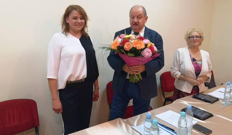 Teresa Fryszkiewicz, wójt gminy Garbatka-Letnisko (pierwsza z lewej) otrzymała na ostatniej sesji Rady Gminy wotum zaufania oraz absolutorium za wykonanie