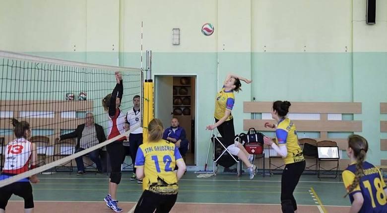 Zawodniczki Stali Grudziądz wygrały w Poznaniu dramatyczny mecz z miejscową ekipą, ale nie weszły do finału o awans do II ligi siatkówki pań