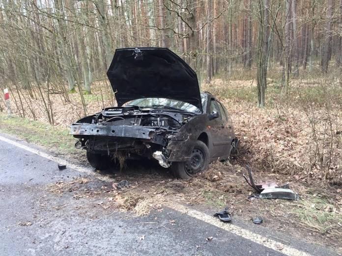 Do zdarzenia doszło w piątek 15 marca na trasie koło Jeleniowa, dzielnicy Zielonej Góry. Kompletnie pijany kierowca wypadł z drogi wprost do rowu.Kierowca