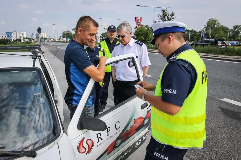 Bydgoscy policjanci wraz z księdzem kontrolowali kierowców