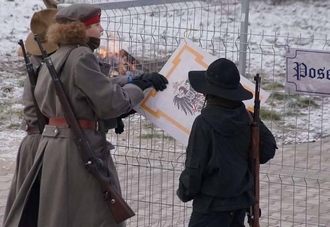 Z okazji obchodów 96. rocznicy wybuchu Powstania Wielkopolskiego grupa rekonstrukcyjna składająca się z harcerzy ZHR z Inowrocławia, Bydgoszczy i okolicznych miejscowości, przygotowała widowisko plenerowe.