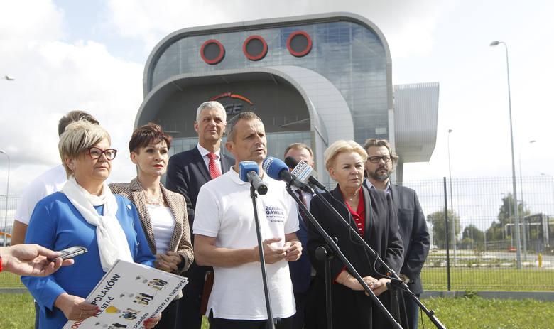 Walkę o poprawę jakości powietrza zapowiadają podkarpaccy kandydaci na posłów startujący w wyborach z list Koalicji Obywatelskiej.