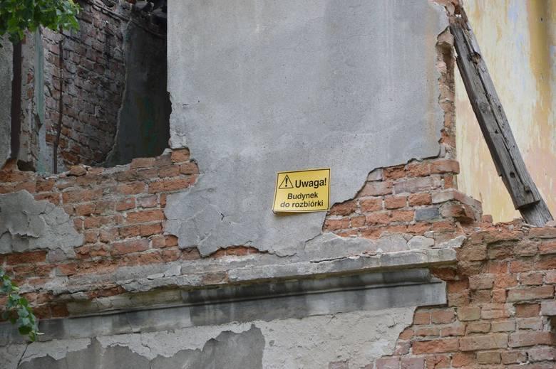 """""""Bezpańskie"""" rudery szpecą miasto i zagrażają bezpieczeństwu [ZDJĘCIA]"""
