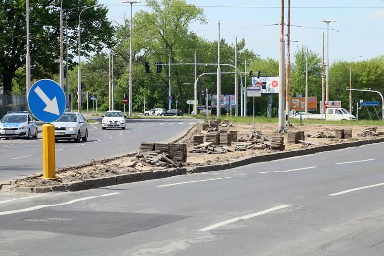 Przebudowa Al. Racławickich i ul. Poniatowskiego: Zaczęły się utrudnienia, na razie dla pieszych i rowerzystów