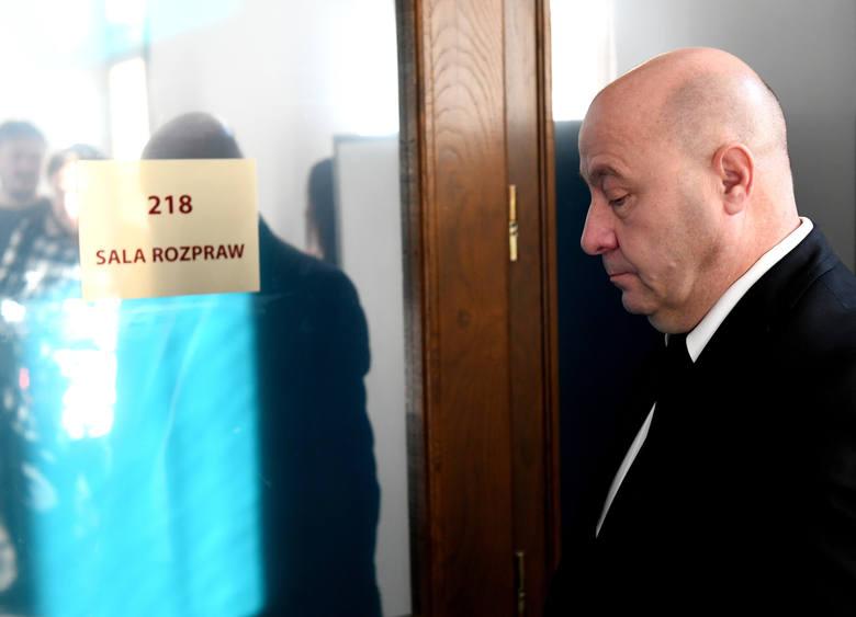 - Odarto mnie z godności, ale udowodnię, że nie jestem przestępcą - powiedział na sali sądowej Kazimierz Greń. Tylko on zgodził się na pokazywanie w