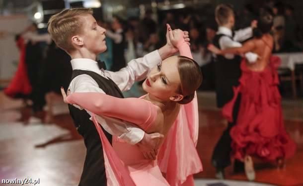 W niedzielę w Łańcucie zakończył się Ogólnopolski Mikołajkowy Turniej Tańca Towarzyskiego GASIEK.