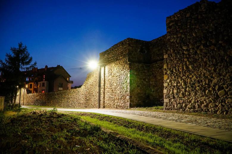 Mury obronne od zawsze uchodzą za wizytówkę Strzelec Krajeńskich. Dopiero jednak po rewitalizacji widać ich prawdziwą wartość