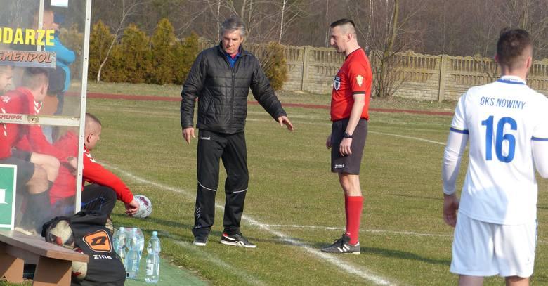 W zaległym meczu 1/8 finału Regionalnego Pucharu Polski Moravia Morawica przegrała z GKS Nowiny 0:2 (0:1). Bramki zdobyli Radosław Szmalec w 27 minucie