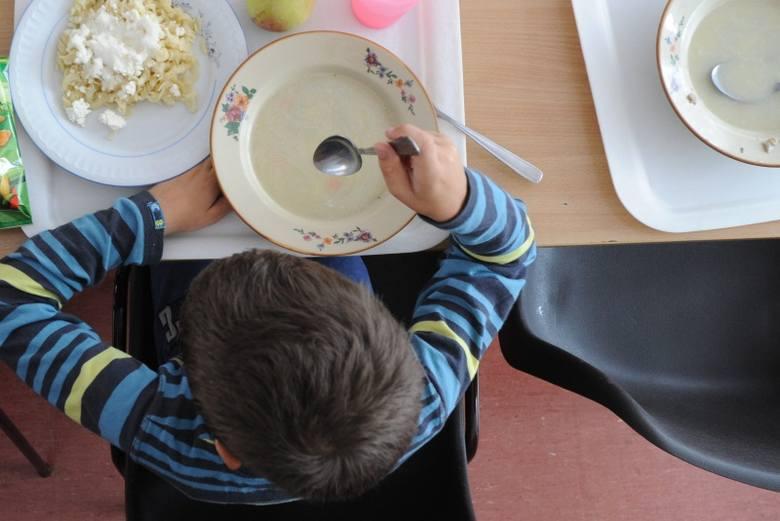 W Niemczech dzieci zaraziły się w szkolnych stołówkach. Główny Inspektorat Sanitarny monitoruje sytuację u naszych zachodnich sąsiadów.