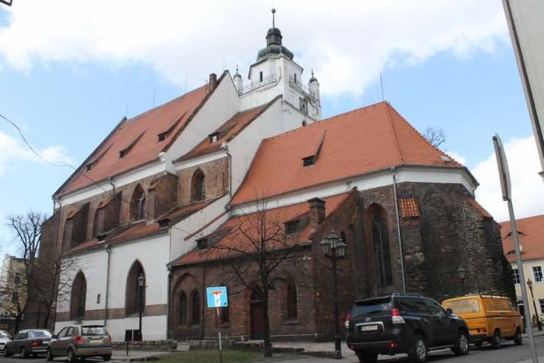 Kościół Zbawiciela jest jedną z architektonicznych wizytówek Kluczborka. To najstarszy budynek w mieście. W tym roku zabytkowa świątynia zostanie wy