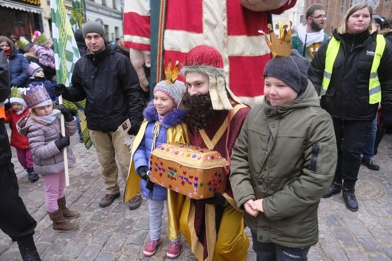 Święto Trzech Króli 2019 w Toruniu. Dzisiaj (06.11) ulicami toruńskiej starówki przeszedł uroczysty orszak z Trzema Królami na przedzie. Według tradycji