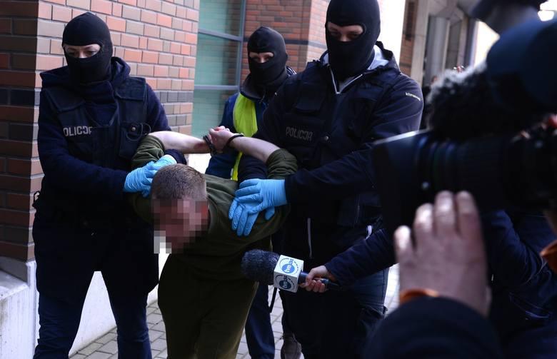 Biegli ocenią sprawę Mariusza L., który zabił 5-letnią córkę Milenkę