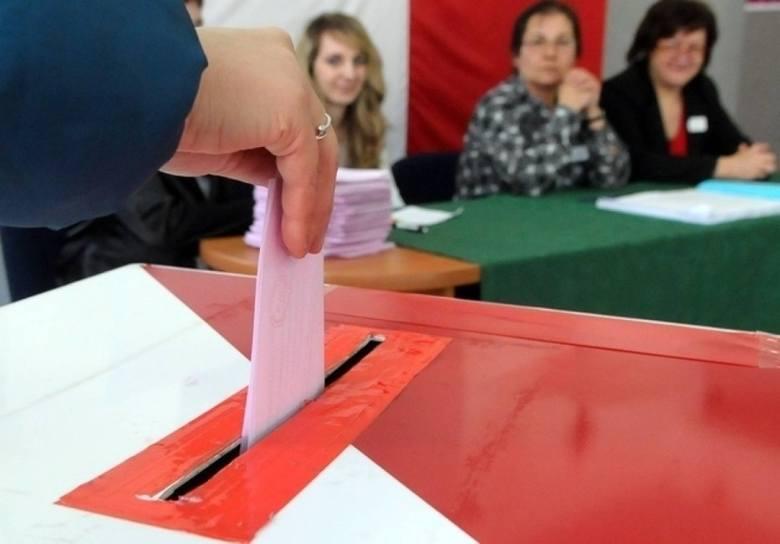 Ustawa o szczególnych zasadach organizacji wyborów  przewiduje, przypomnijmy, że głosowanie zostanie przeprowadzone metodą mieszaną - odbędzie się w