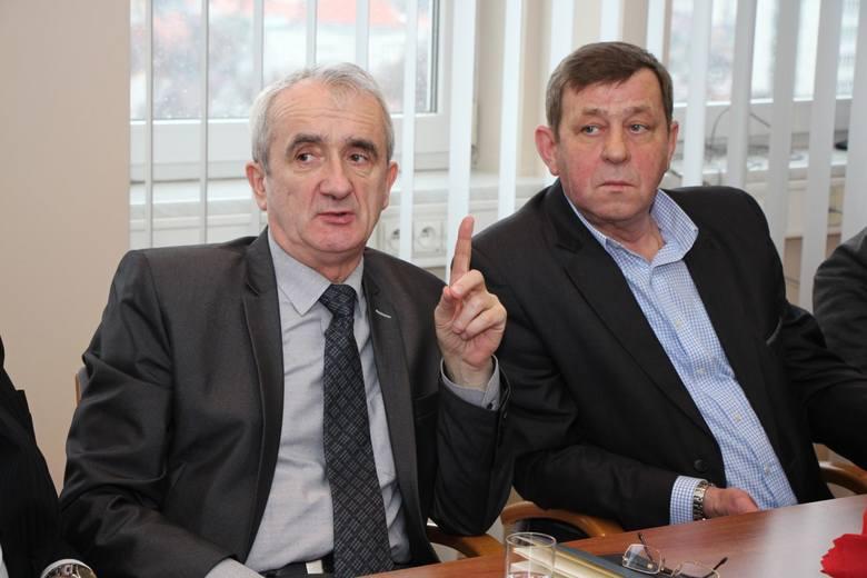 Tadeusz Dzwonkowski, dyrektor Archiwum Państwowego w Zielonej Górze, Piotr Jankowiak, Civitas Christina, przewodniczący oddziału w Zielonej Górze.