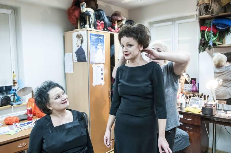 """Te same stroje, buty, peruki... aktorki, które wcielają się w legendarną Edith w spektaklu """"Trzy razy Piaf"""", nie chcą niczego zmie"""