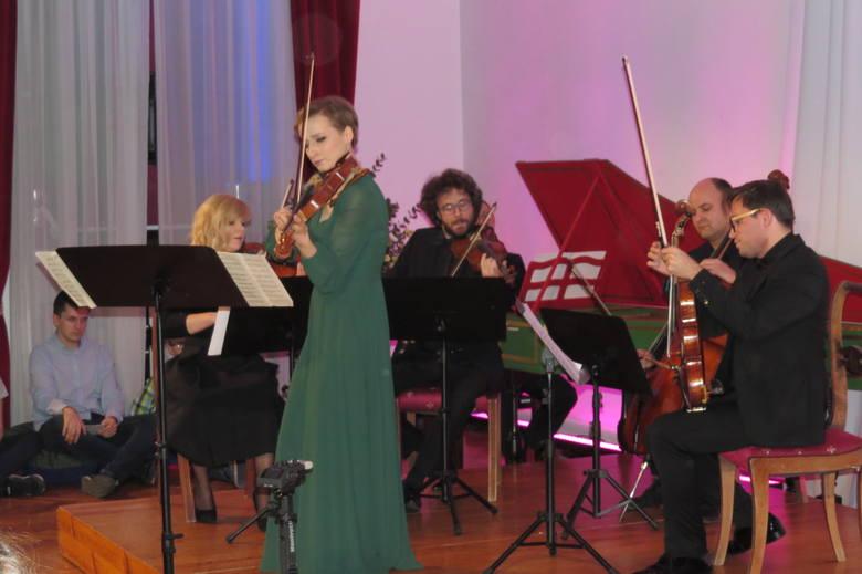 Festiwal X w Brodnicy. Muzyka popłynie ze sceny, skweru w parku i ruin zamku