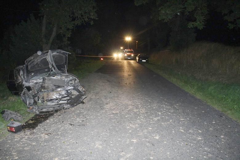 W Brzuzem pijany 20-latek spowodował wypadek