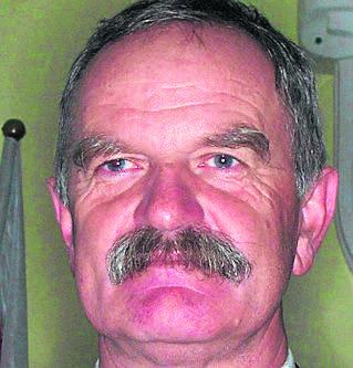 Zdobywca pierwszego miejsca ma 61 lat, mieszka w Kwasowie. W wyborach startował z Komitetu Wyborczego Wyborców Przyjazna i Gospodarna Gmina. Funkcję